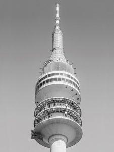 Olympiaturm München mit Peri UP Flex Arbeitsgerüst. geruest.com