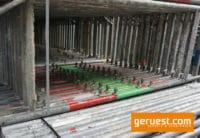 B-Vertikalrahmen _ 37,2 qm Hünnebeck Bosta Gerüst mit 2,00 m Vollholzbohlen