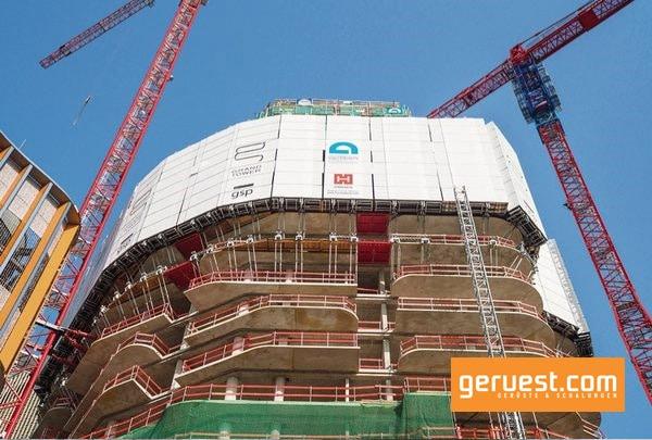 Beim Bau des 172 m hohen Grand Tower in Frankfurt hat Hünnebeck Planung und Produktlieferung übernommen und den Ablauf koordiniert