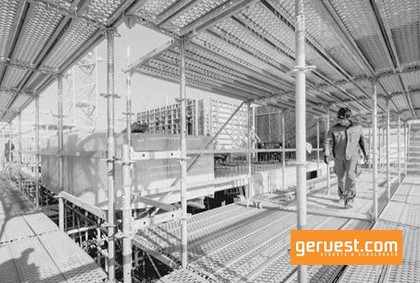 Die ursprüngliche Verantwortung für die baustellenspezifischen und gewerkeübergreifenden Arbeitsschutzmaßnahmen liegt nach der Baustellenverordnung immer beim Bauherrn