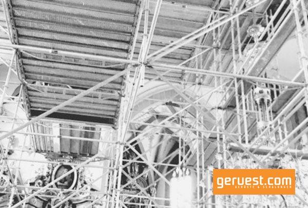 Gerüstbauer aus der Schweiz setzten RUX Ringscaff-Modulgerüst für die aufwändige Innensanierung der Appenzeller Kirche ein