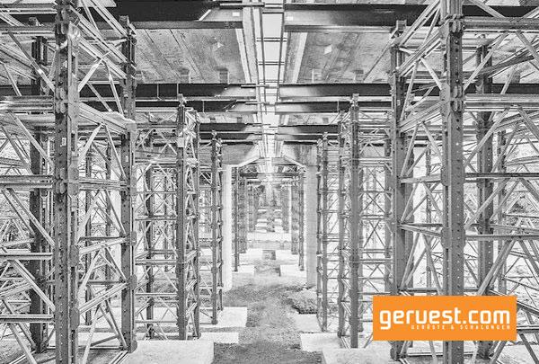Enorm tragfähig: VST-Schwerlasttürme auf Basis des Variokit-Ingenieurbaukastens tragen je nach Aufbauhöhe bis zu 700 kN pro Stiel sicher.