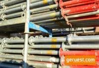 Vertikalstiel 2,50 m gebraucht mit Rohrverbinder - Layher Gerüstteile