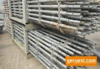 Vertikalstiel 4,00 m gebraucht mit Rohrverbinder - Layher Gerüstteile